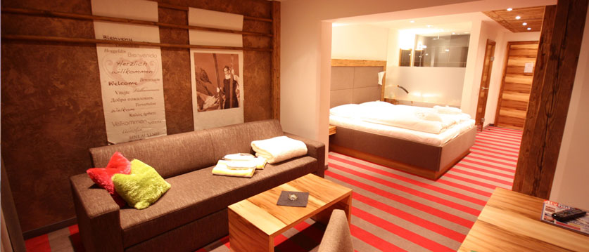 Austria_Obertauern_Hotel-Kohlmayr-Royal_twin-bedroom.jpg